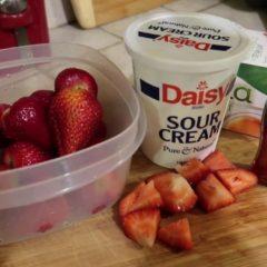 Under 5 Minutes Keto Dessert – Strawberries & Cream – Mexican Style Dessert